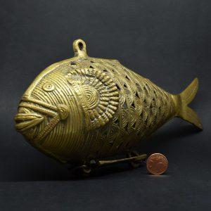 Contenitore In Bronzo A Forma Di Pesce