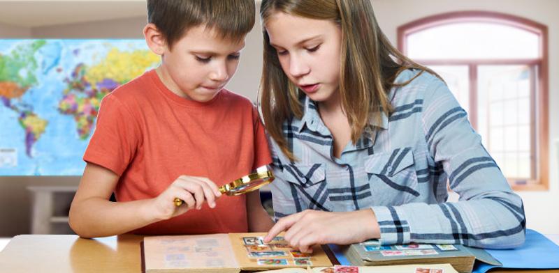 Giochi per bambini da fare a casa: attività montessori con i francobolli